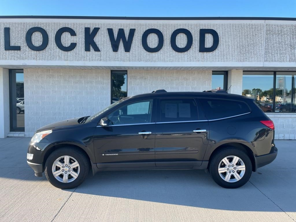 Used 2009 Chevrolet Traverse 1LT with VIN 1GNER23D59S137577 for sale in Marshall, Minnesota